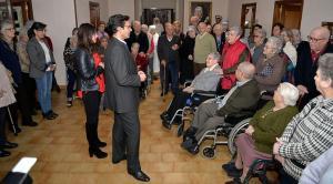 Visita del alcalde a las Hermanitas de los Pobres.