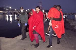 Entre el grupo de personas rescatadas hay al menos cuatro menores.