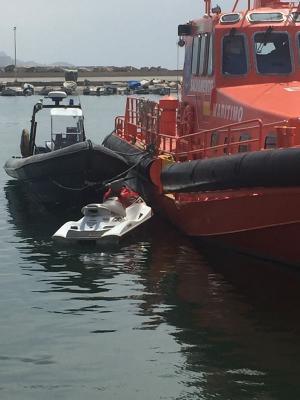 La moto acuática en la que intentaban llegar a la Costa.