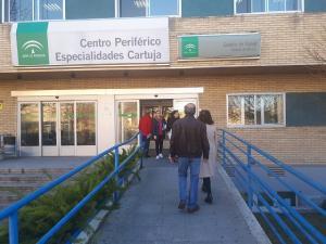 El contiguo Centro de Especialidades alberga parte de las consultas.