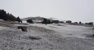 Imagen del manto de nieve caído sobre la zona de la Hoya de la Mora.
