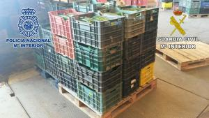 Cajas con frutas y hortalizas robadas.