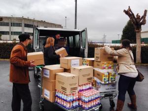 Recogida de comida en Montefrío para el Banco de Alimentos.