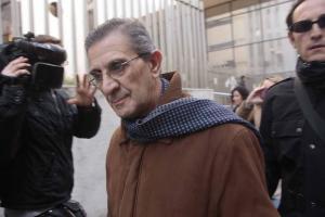 El padre Román es el único acusado en el caso.