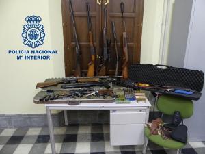 Material incautado tras un tiroteo en el barrio de Las Cuevas.