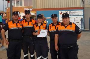 Óscar Ruiz (segundo por la izquierda), con otros voluntarios de Protección Civil.