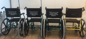 Sillas de ruedas en la entrada de las urgencias del PTS.
