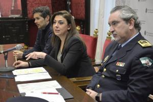Raquel Ruz flanqueada por José Antonio Moreno y Sergio Salas.