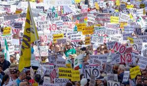 Imagen de la manifestación por una sanidad digna en Sevilla.