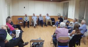 Participantes en las primeras 'Tertulias en la trichera', sobre la sanidad.
