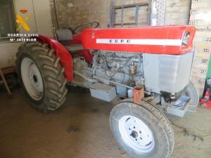 Tractor recuperado, al que le cambiaron la marca y el bastidor.