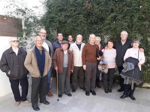 En la foto, con Antonio Gijón, hijo del alcalde republicano, y con Antonio Esteban (gorra y bastón),  superviviente de la Desbandá, el mayor crimen de guerra contra población civil indefensa.