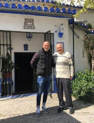 Zinedine Zidane con Curro Albayzín.