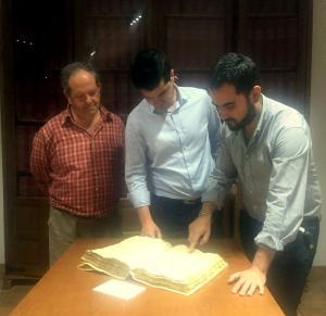 Visita institucional al Archivo de La Alpujarra.