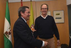 José Entrena con Tony Guerrero, hijo del gran artista.