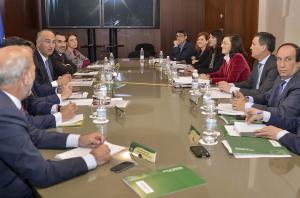 Reunión en Sevilla entre los responsables de Cultura de Junta y Gobierno.