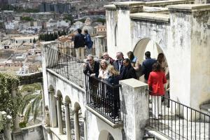 La consejera de Cultura en su visita al carmen de Rodríguez Acosta.