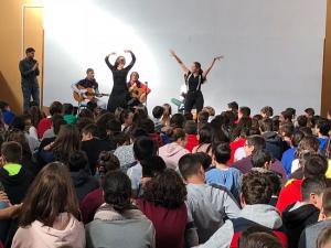 Actuación para conmemorar el Día Mundial del Flamenco en el IES Aricel de Albolote.