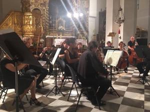 La orquesta, en un concierto.