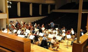 La orquesta, durante un ensayo.