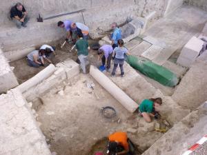 Trabajos de excavación en la villa.