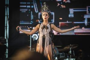 Nita, de  Fuel Fandango, sobre el escenario.