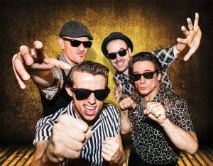 Componentes de la banda londinense The Fuzillis.