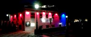 Las luces provocan un brutal impacto en el corazón del Albaicín.