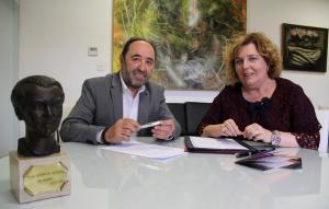 Alcalá con la diputada provincial de Cultura y Memoria Histórica y Democrática.