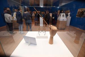 """Inauguración de la exposición """"Falla. Noche en los confines de España"""" en la Sala Ático del Palacio de los Condes de Gabia en marzo de 2017."""