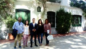 Miembros de Ciudadanos en su visita a la Huerta de San Vicente.