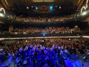 Lleno en el Teatro Rialto de Madrid para disfrutar del espectáculo 'Música por amor al arte'.