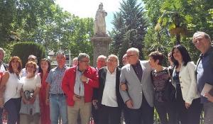 Baltasar Garzón y Pilar del Río han encabezado el acto celebrado en la Plaza de la Mariana.