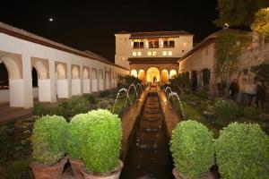 Visita nocturna en el Generalife.