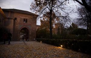 Bella imagen otoñal en el conjunto monumental de la Alhambra.