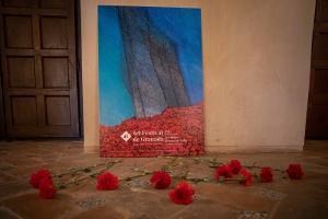La obra de Soledad Sevilla, cartel del Festival de Granada.