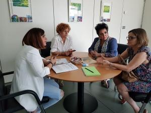 Reunión con la diputada provincial de Igualdad, Irene Justo.