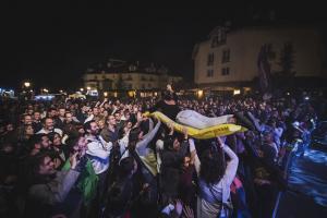 Gran asistencia a la primera jornada del festival de rock de Sierra Nevada.