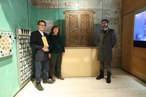 La ventana se exhibe desde este jueves en el Museo de la Alhambra.