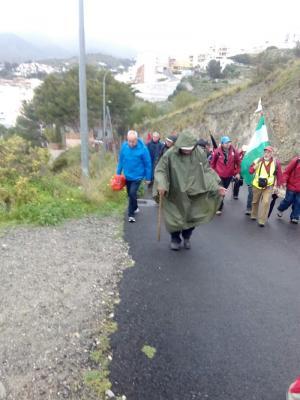 La marcha en recuerdo de la Desbandá a su paso por Almuñécar.