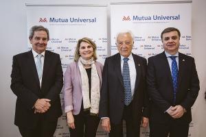 Responsables de Mutua Universal con el subdelegado del Gobierno en Granada.