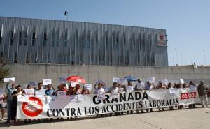 Concentración de protesta por el accidente mortal en Cúllar.
