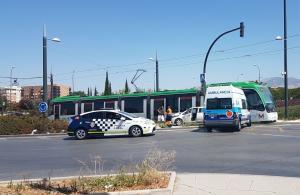 Una ambulancia ha asistido al conductor del vehículo.