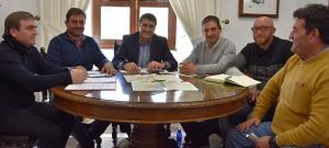 Regantes de Siete Fuente Negratín con el alcalde de Baza.