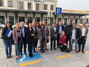 Los representantes de CCOO y de la Mesa por el Ferrocarril de Almería, este martes en Granada.