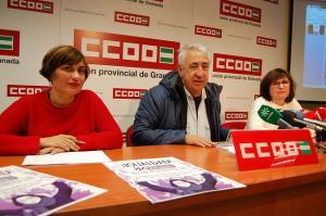 Ricardo Flores, Clara Castanardo y María José López en la presentación del informe.