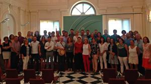 Foto de familia de los 198 nuevos empleados de la Administración autonómica.