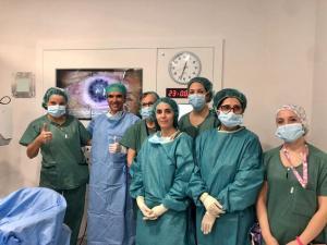 Equipo de Oftalmología del HVN que ha realizado el exitoso trasplante.