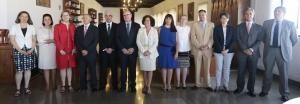 Pilar Aranda con su equipo de gobierno, en el Rectorado de la UGR.