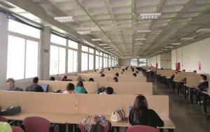 Una de las salas de estudio de la UGR.